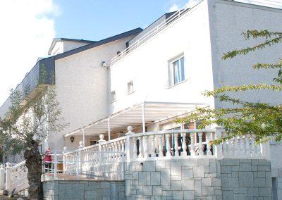 266864-residencia-los-angeles-fachada-de-una-casa pie